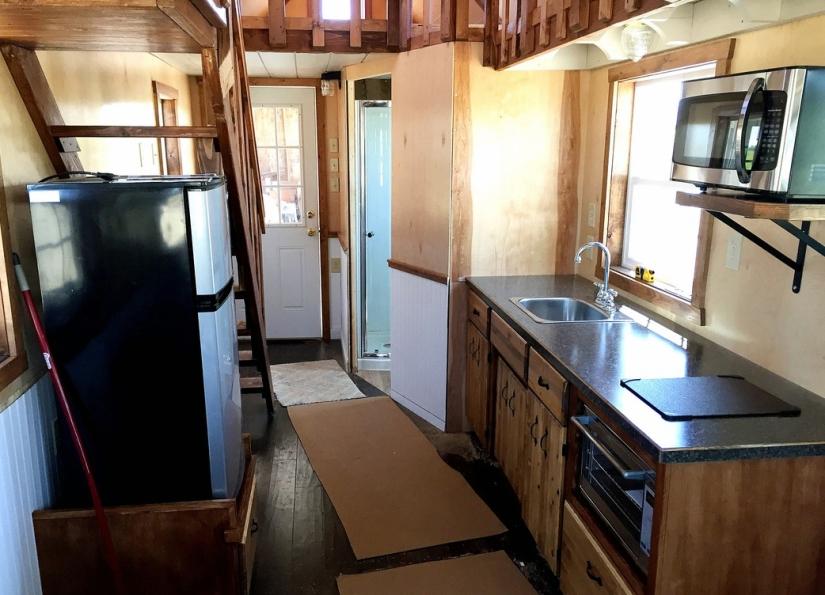 Cabin- Kitchen